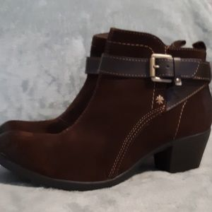 Earth Origins Kaia brown boots.  NWOT. 10